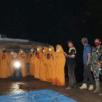 Kedatangan Tamu dari Pemkab Tanjab Timur Disambut Tabuhan Rebana di Lokasi TMMD Desa Labuhan Pering